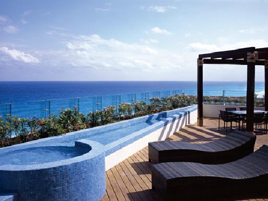 Live Aqua Beach Resort Cancun: Sol y Luna Suite