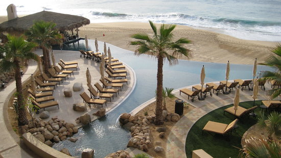 Grand Solmar Land's End Resort & Spa: Middle Pool with Swim Up Bar