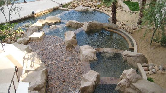 Grand Solmar Land's End Resort & Spa: There are alot of water features