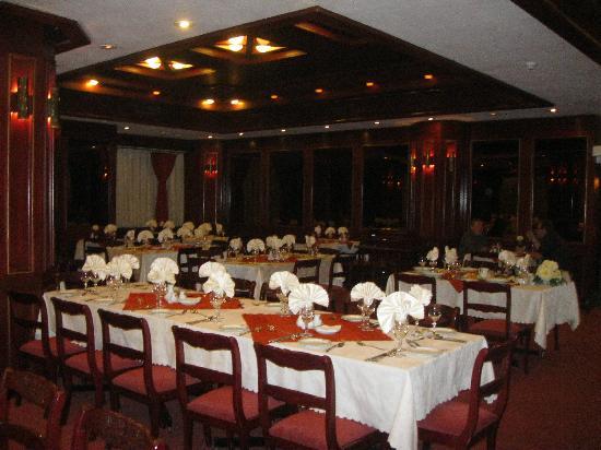 Shiraz International Parseh Hotel : Restaurante (ùltimo piso)