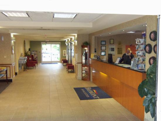 Country Inn & Suites By Carlson, Cookeville: Lobby