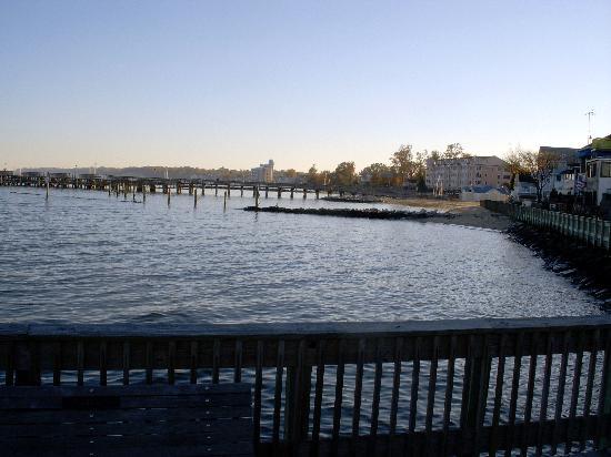 Olde Bay Tavern: North Beach