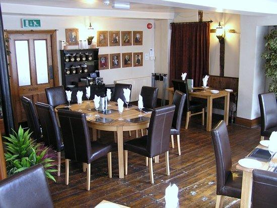 The Black Lion Restaurant: restaurant area
