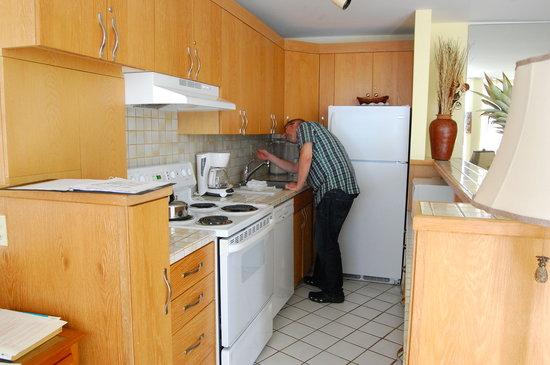 The Hale Pau Hana: Condo kitchen