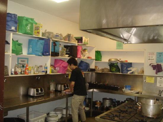 King Street Backpackers: The kitchen