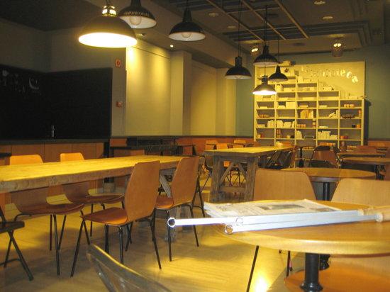 Hotel Persal: Breakfast dining area