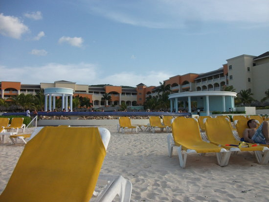 Iberostar Rose Hall Suites: Beach view