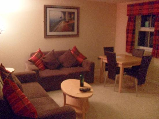 Malone Lodge Hotel & Apartments: Living area