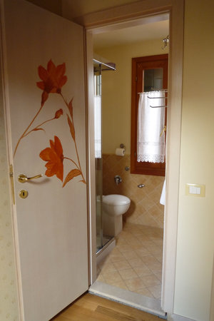 Ca dei Fuseri B&B: updated, clean bathroom