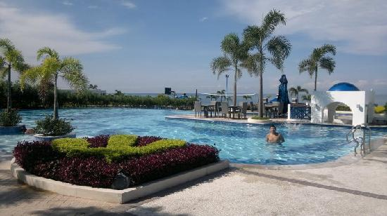Thunderbird Resorts Poro Point: great pool