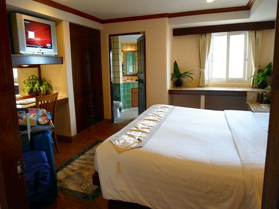 Pacific Club Resort : one of the bedrooms in suite