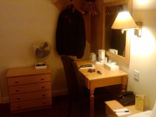 Comfort Hotel Harrow: hotel room