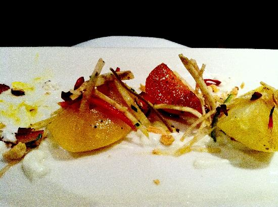 Friday Harbor House Restaurant: beet and apple appetizer