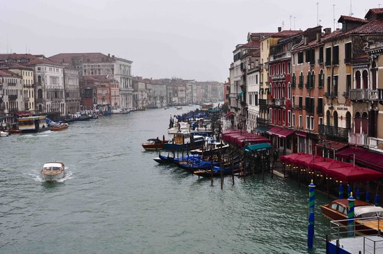 Gallerie dell'Accademia : Canal view