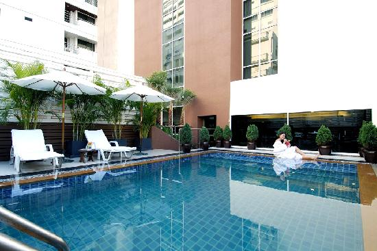 FuramaXclusive Sukhumvit: Swimming Pool