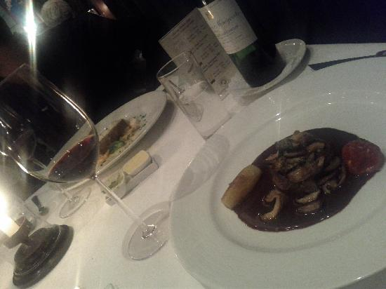 Philippe Restaurant : Tenderloin and Wine