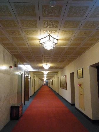 Grand Hotel Taipei: 廊下。