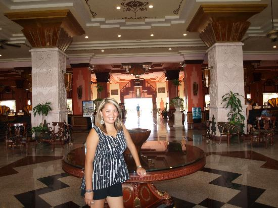 Hotel Riu Vallarta: The Lobby
