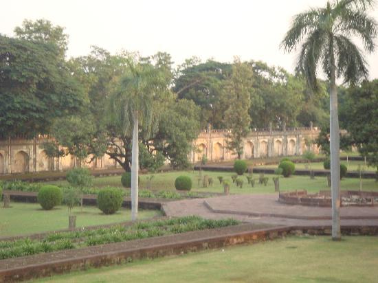 Superior Bibi Ka Maqbara: Garden