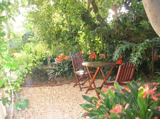 Paradiso Guesthouse & Self Catering Cottage: Relax in this nook