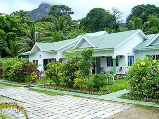 Jamalac Bungalows: Bungalows & Gardens