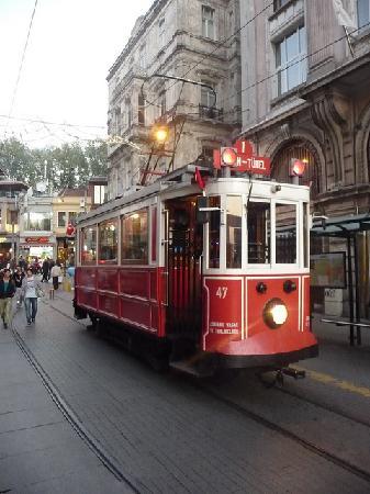 Peradays: Istiklal Street Tram