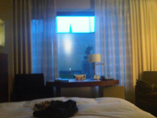 Dorint Hotel am Heumarkt Koln: Zimmer 2. Etage Innenhof