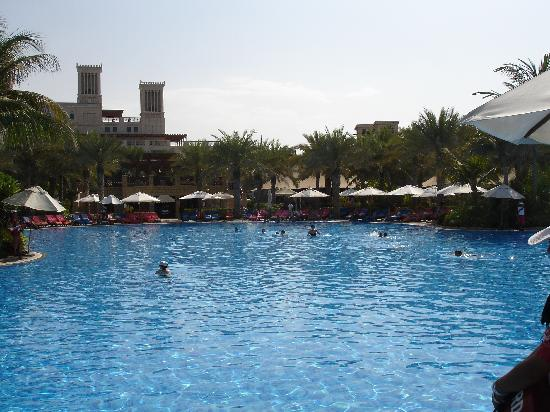 Jumeirah Al Qasr at Madinat Jumeirah: A view of the pool