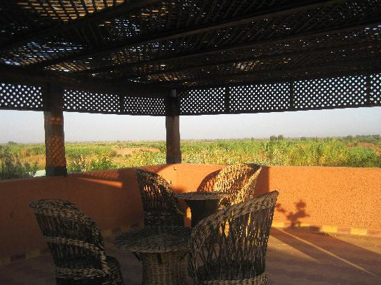 Kasbah Chwiter: pergola sur la terrasse