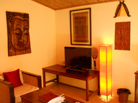 Rikitikitavi : Twin beds in adjoining room.