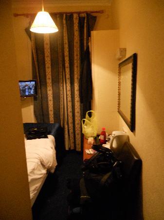 Avonmore Hotel: Single Room