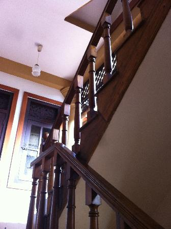 Little Villa Hotel : Staircase to the bedrooms