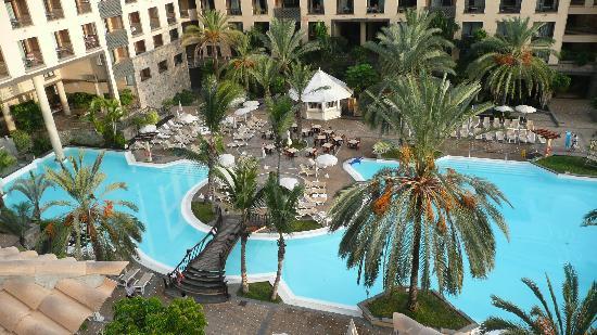 Costa Adeje Gran Hotel: бассейны