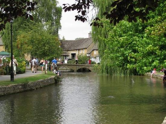 Evan Evans Tours: Bourton-on-the-Water