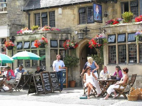 Evan Evans Tours: Mermaid Inn in Burford