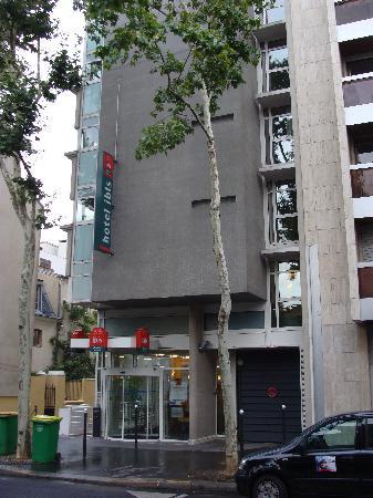 Ibis Paris Place D'italie 13ème : Front of the hotel