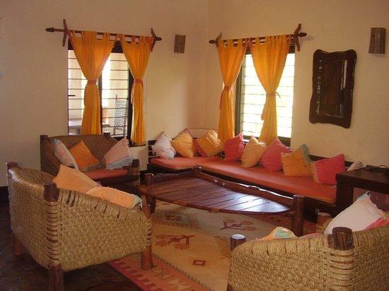 Hillpark Tiwi: Cottage Lounge