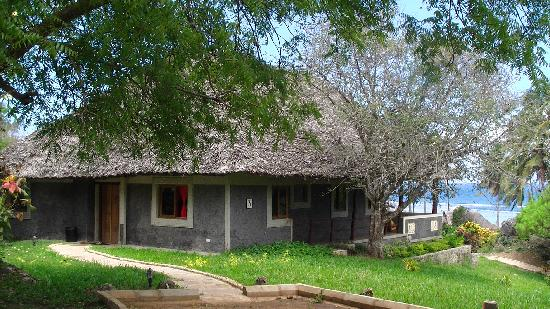 Hillpark Tiwi: Cottage Exterior