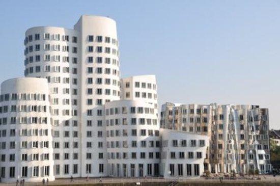 MedienHafen: Impression aus dem Düsseldorfer Hafen
