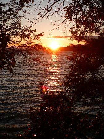 Sticks and Stones Country Cottage: sunset from near Montague Harbour