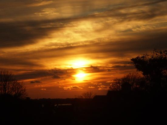 Inn on the Square: Beautiful sunset from Woods Hole