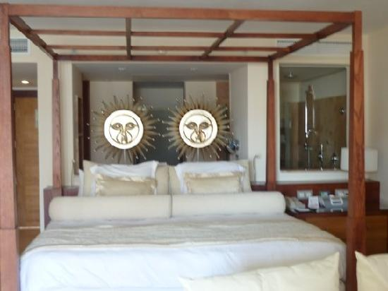Excellence Playa Mujeres: The bedroom