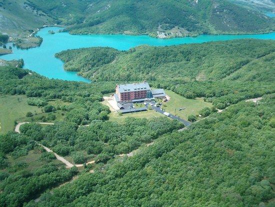 Cervera de Pisuerga, Spanyol: Vista aerea Parador de Cervera