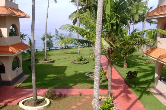 Varkala SeaShore Beach Resort: From the top where we have our breakfast