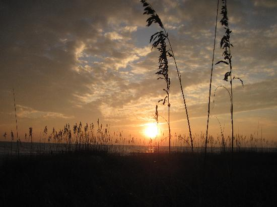 Anna Maria Beach Cottages: Enjoy sunset every night