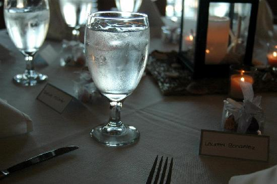 Islander Inn: Table Decorations for the Reception