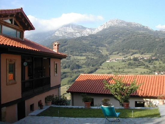Hotel Rural Fuentes de Lucia: vue de l'hotel