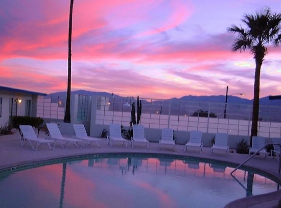 Living Waters Clothing-optional Spa: Sunsets like you would not believe