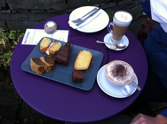 Rattle Ghyll Cafe: Cakes!!!!