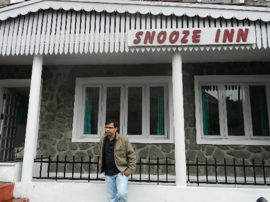 snooze inn front view
